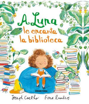 A Luna le encanta la biblioteca